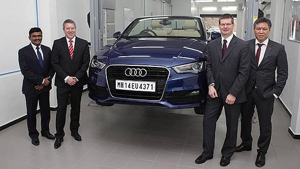 Mr._Ulli_Seyfferth,_Head_of_Technical_Service,_AUDI_AG_and_Mr._Joe_King,_Head,_Audi_India_at_Audi_TSC