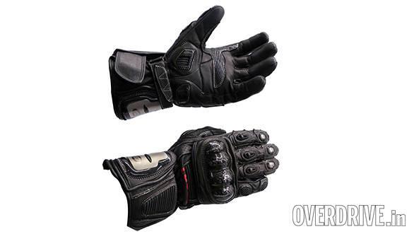 Triumph Action 2 gloves