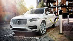 Volvo XC90 T8 Twin engine plug-in hybrid to be launched in India in July 2016