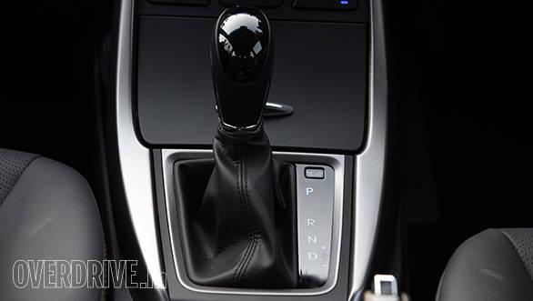 Hyundai Elantra 2015 (10)