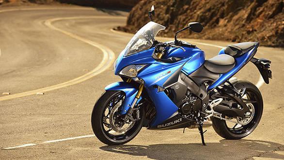 Suzuki gsx-s1000f_action_3_resized