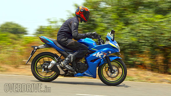 Yamaha Fazer Fi vs Suzuki Gixxer SF vs Bajaj Pulsar AS 150 (5)