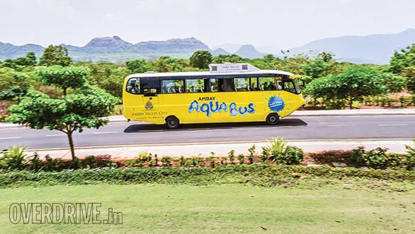 Amphicoach GTS-1 Aqua Bus (1)