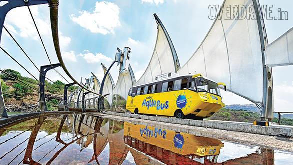 Amphicoach GTS-1 Aqua Bus (2)