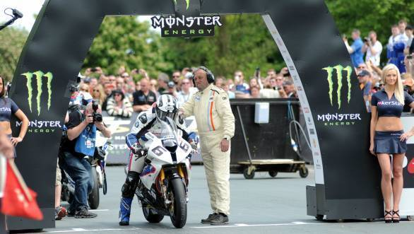 Michael Dunlop made a surprise switch from Milwaukee Yamaha to the Hawk Racing Buildbase BMW team with whom he won the Senior TT last year