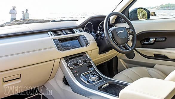 Range Rover evoque vs Audi Q5 vs BMW X3 (9)