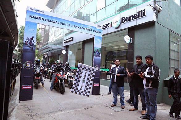 Ride Flag Off by Mr. Shirish Kulkarni, Chairman, DSK Motowheels (1)