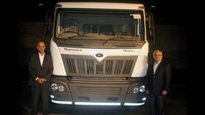 Mahindra Truck and Bus Division rolls out 15,000th HCV from Chakan plant