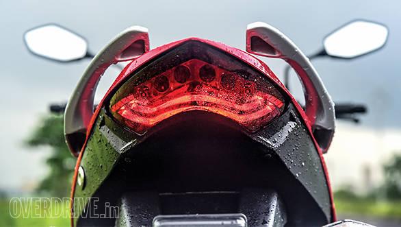 Comparo Hero Xtreme vs Suzuki Gixxer (11)