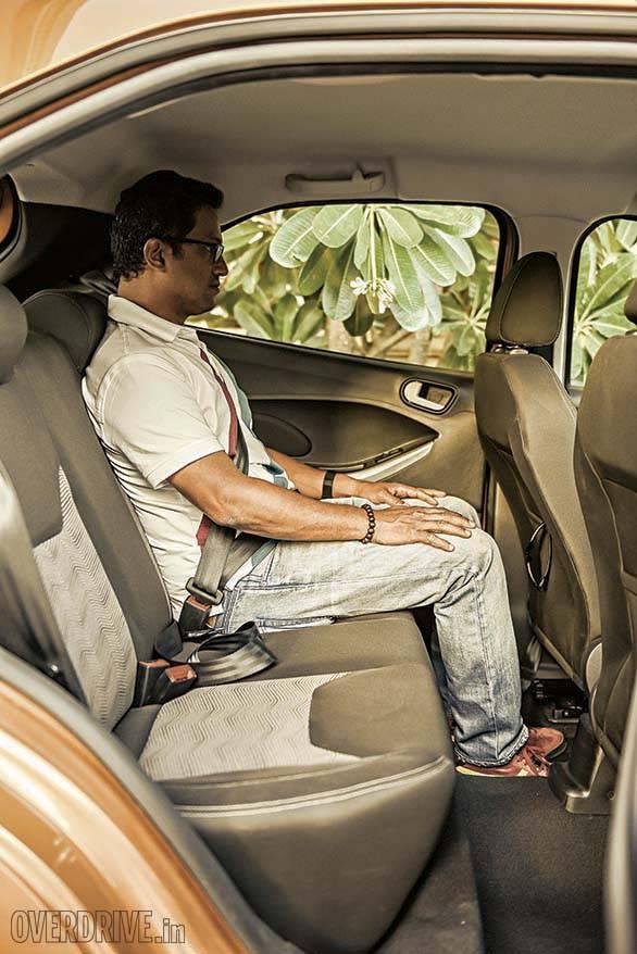 Ford Figo 2015 (1)