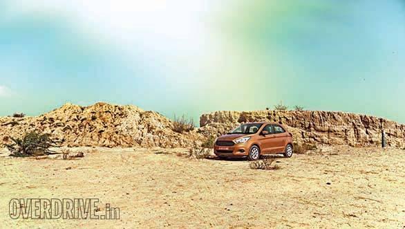 Ford Figo 2015 (7)
