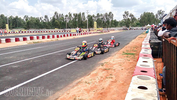 Micro Max Karting feature (1)