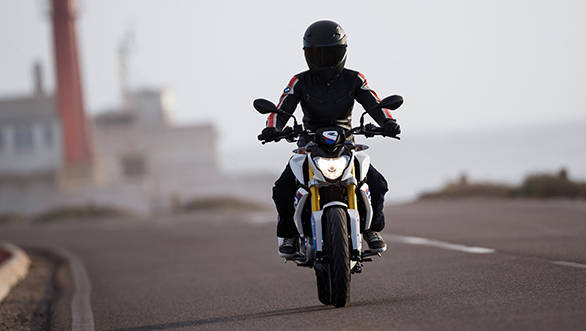 BMW promises a big bike feel despite the compact dimensions of the new G 310 R