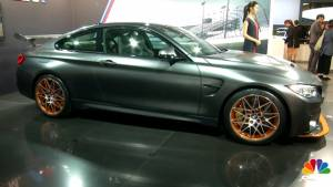 BMW M4 GTS and Mini Convertible - Tokyo Motor Show 2015 - Video