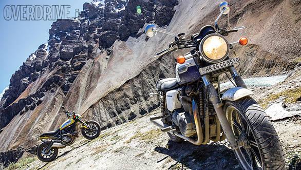 Ducati Scrambler and Triumph Bonneville (1)