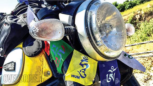 Ducati Scrambler and Triumph Bonneville (6)