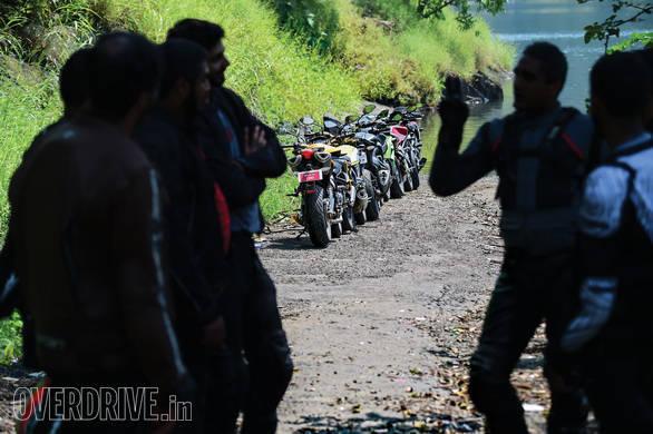 Honda CBR650F vs MV Augsta Brutale 800 vs Kawasaki Ninja 650 vs Kawasaki Z800 vs Ducati Scrambler vs Benelli TNT 600i vs Triumph Street Triple_08