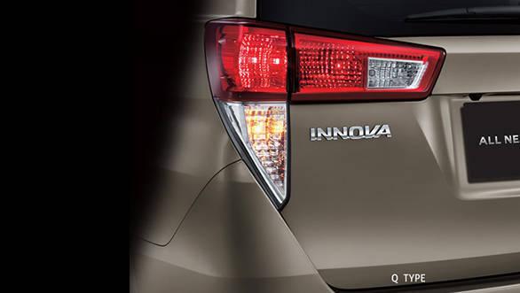 Toyota Innova 2016 (8)