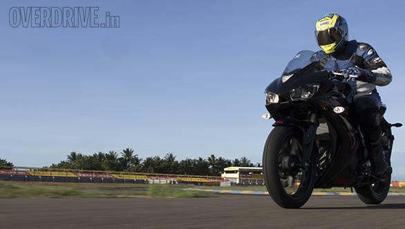 Yamaha R3 vs RC390 vs Ninja 300 (13)