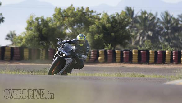 Yamaha R3 vs RC390 vs Ninja 300 (24)