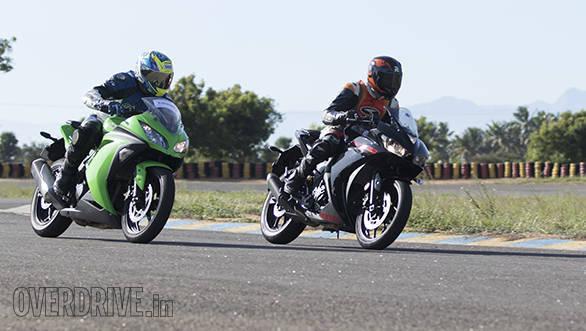 Yamaha R3 vs RC390 vs Ninja 300 (29)