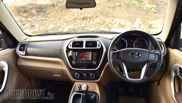 Mahindra TUV vs Ford Ecosport (9)