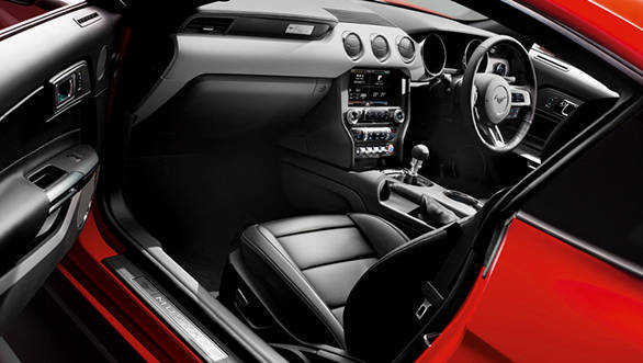 2016 Ford Mustang Interiors (2)