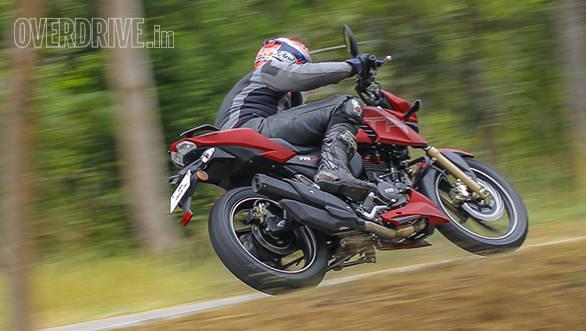 2016 TVS Apache RTR 200 (8)