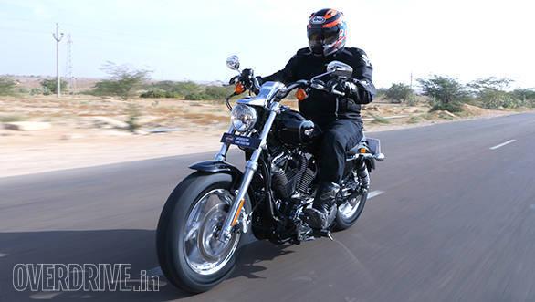 Harley Davidson 1200 Custom (15)