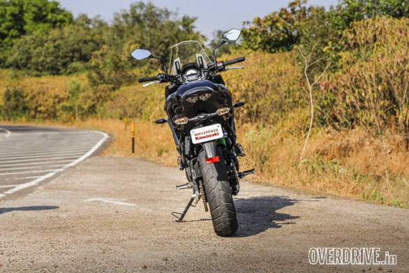 Kawasaki gives the Versys 650 excellent Dunlop Sportmax tyres that are the same size as the Ninja 650. They proved to be grippy as well as not so soft as to get cut up by the cruft of our roads during the test