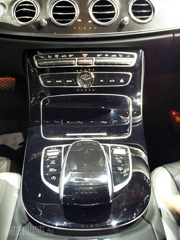 Mercedes-Benz E-400 Detroit Motor Show (2)