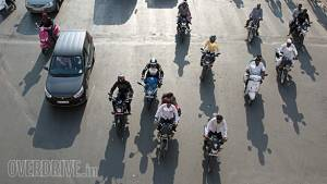 NITI Aayog asks two, three-wheeler makers to submit EV roadmap in two weeks