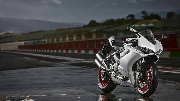 Ducati 959 Panigale front 3/4 static shot