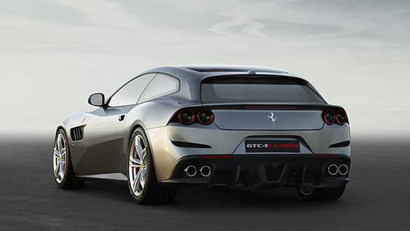 Ferrari GTC4Lusso 2