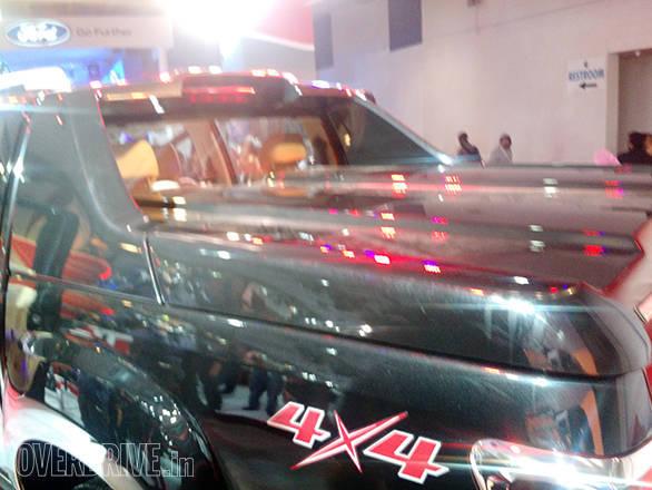 Isuzu D-Max V-Cross (17)