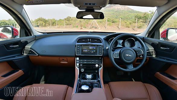 Jaguar XE (22)