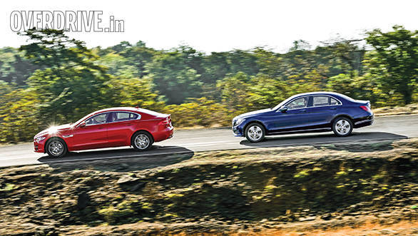 Jaguar XE vs Mercedes Benz C Class (11)