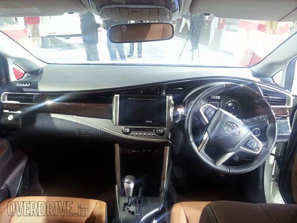 Toyota Innova Crysta (14)