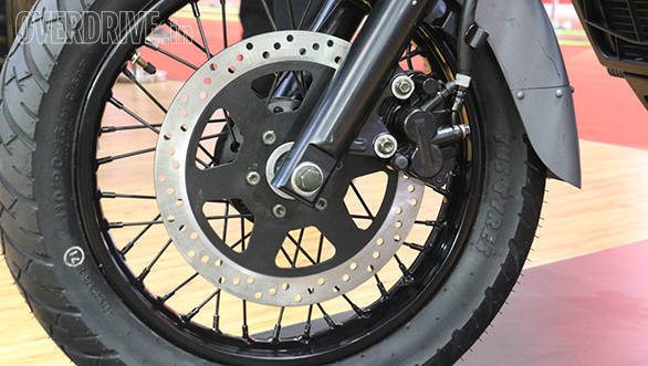 Conventional telescopic forks and dual rear shock absorbers handle suspension duties.