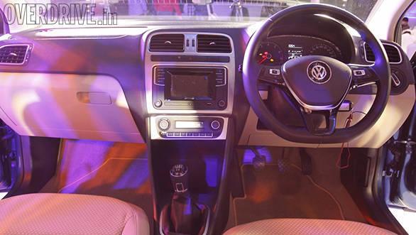 Volkswagen_Ameo_dashboard