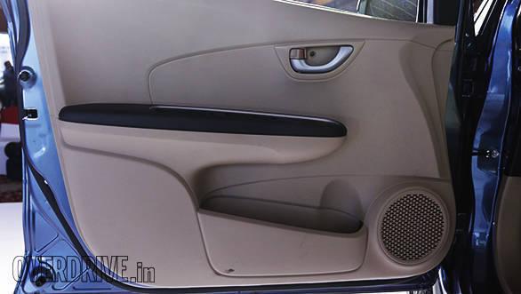 2016 Honda Amaze (26)