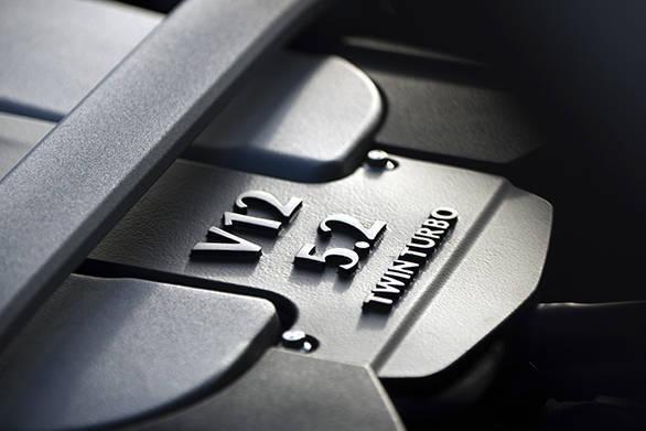 Aston Martin DB11 (38)