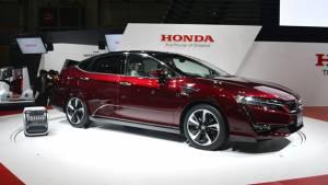 Sale of Honda Clarity hydrogen FCV begins in Japan