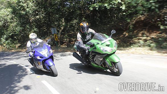 Kawasaki ZX14r And Suzuki Hayabusa Comparo (46)