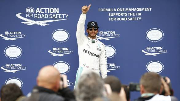 Hamilton's got off to a good start, clinching the first pole of the year at the 2016 Australian GP