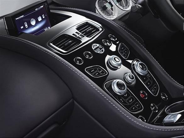 Aston Martin Rapide (3)