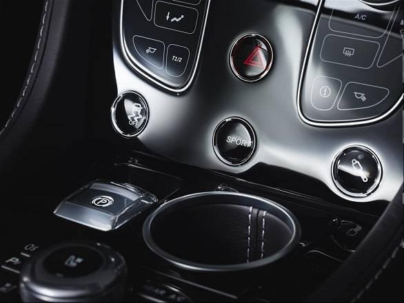 Aston Martin Rapide (6)