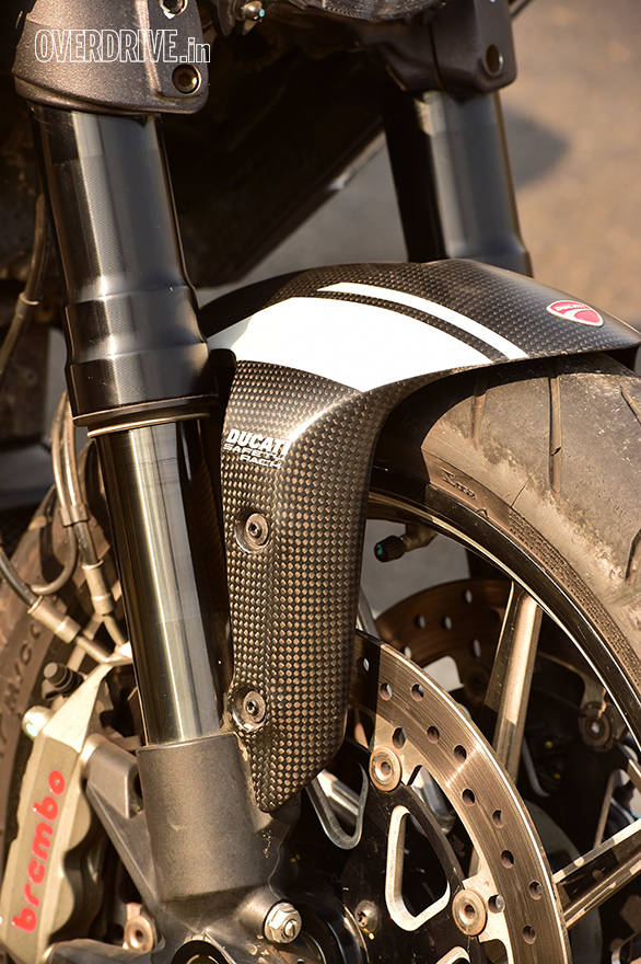 Carbon fibre mudguard, tank and rear cowl are part of the Ducati Diavel Carbon edition we have here. Adds Rs 3 lakh to the cost of the standard Diavel, taking it to Rs 20.8 lakh on-road Mumbai