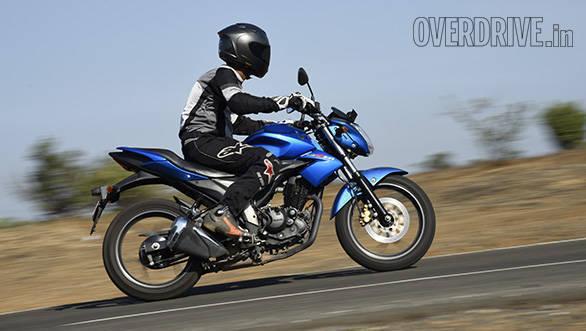 Honda Hornet Vs Suzuki Gixxer (15)