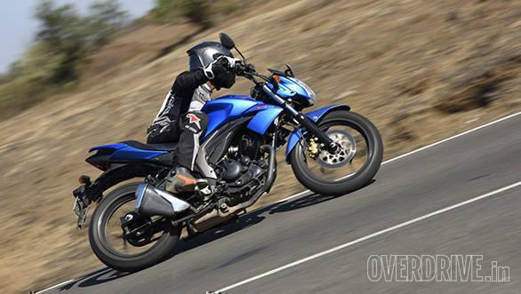 Honda Hornet Vs Suzuki Gixxer (22)